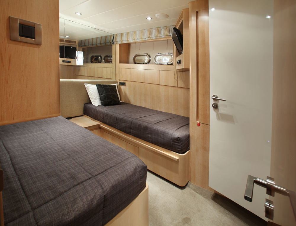 Motor yacht AQUARIUS - Twin Cabin 2