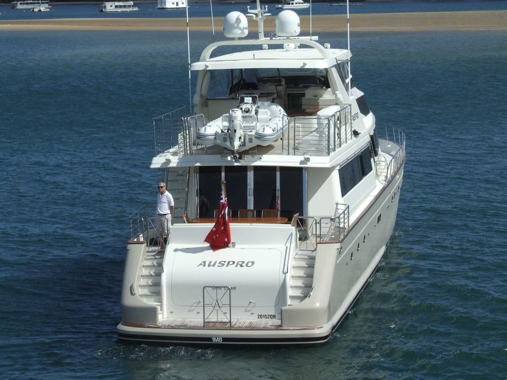 Motor yacht AUSPRO -  Transom