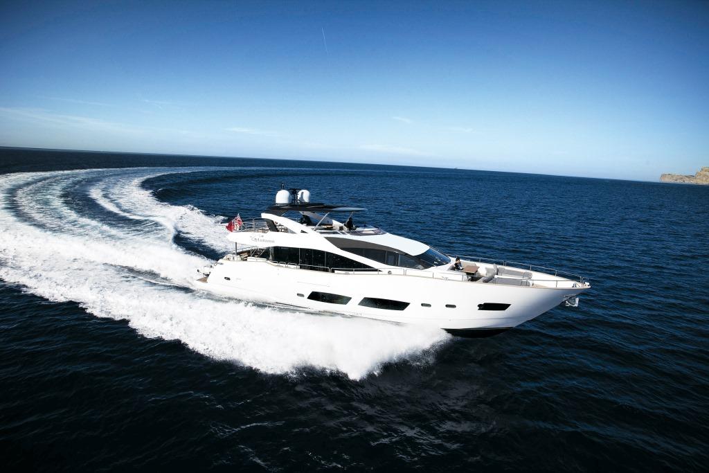 Motor yacht AUTUMN -  Main