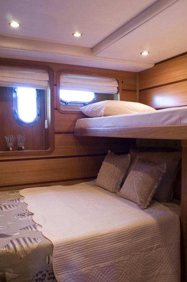 Motor yacht AZMIM -  Twin Cabin