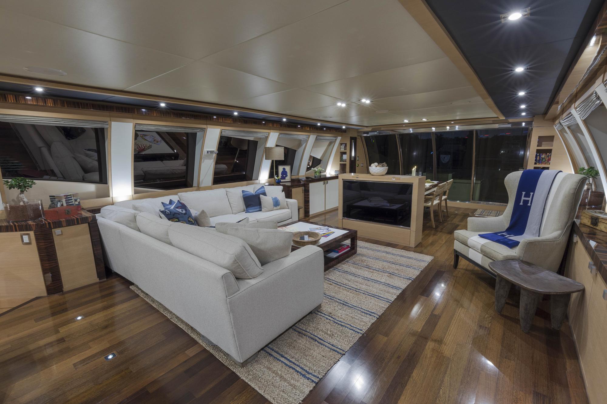 Motor yacht BW - Salon view aft