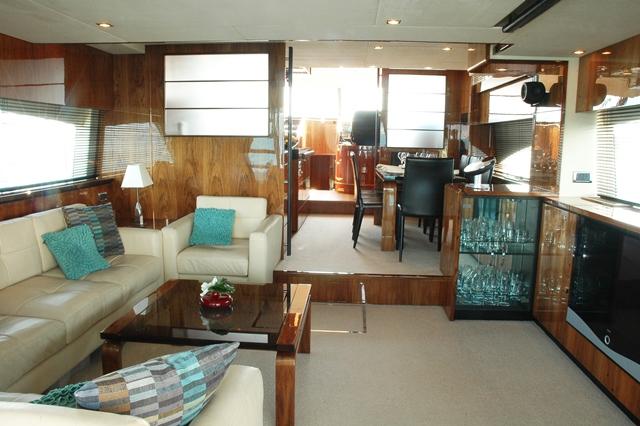 Motor yacht D5 -  Salon