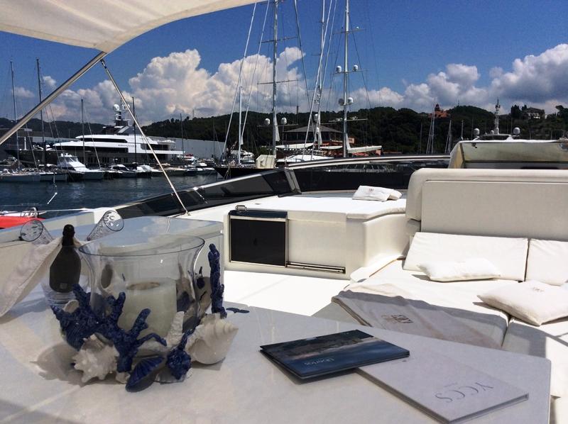 Motor yacht DOUBLE XELLE - Aft Deck