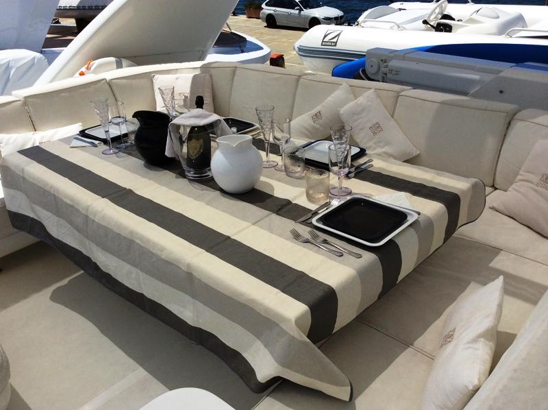 Motor yacht DOUBLE XELLE - Flybridge Dining