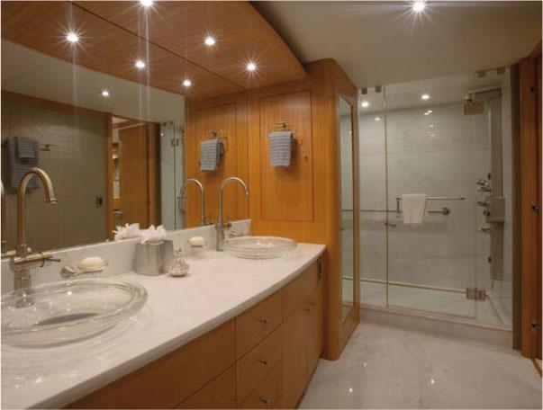 Motor yacht Don Carlo -  Master Bath
