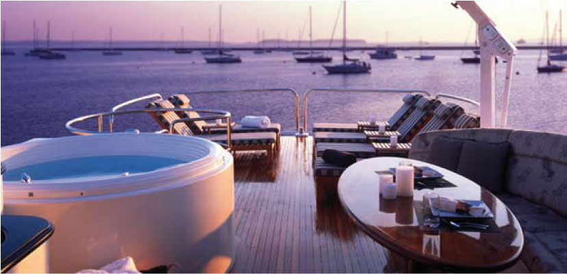 Motor yacht Don Carlo -  Sundeck with Spa Pool