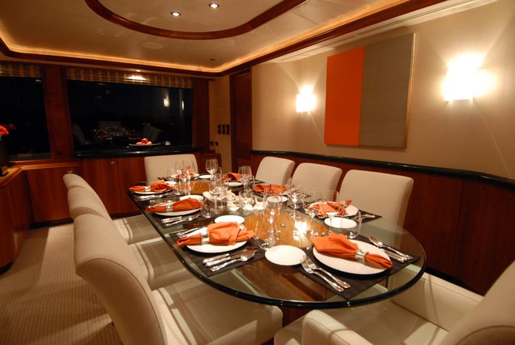 Motor yacht Dona Lola -  Dining Area