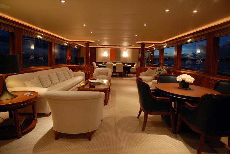 Motor yacht Dona Lola -  Main Salon 2