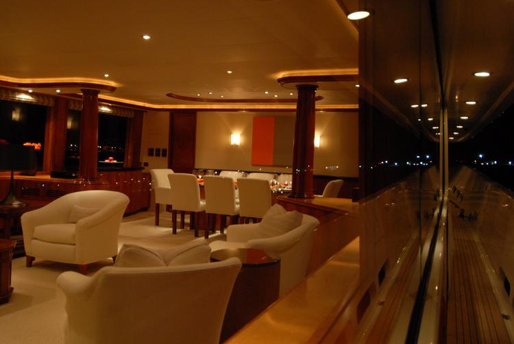 Motor yacht Dona Lola -  Main Salon 3