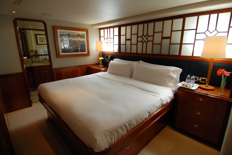 Motor yacht Dona Lola -  VIP Cabin