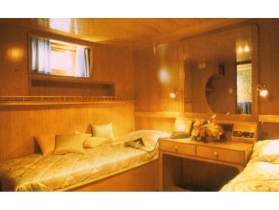 Motor yacht ELENA - Twin cabin