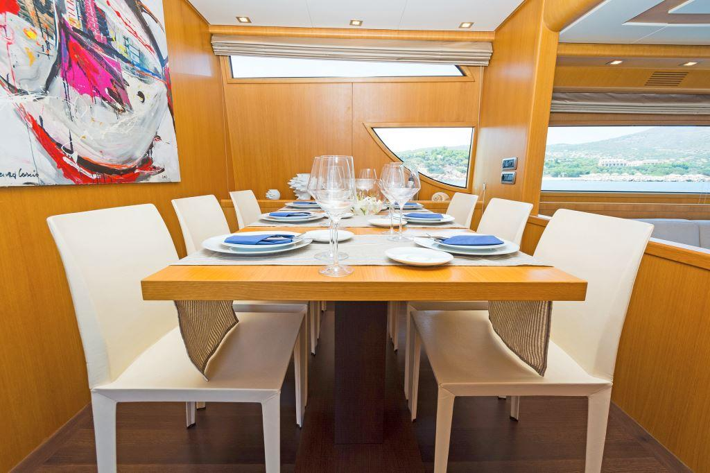 Motor yacht FOS - Dining
