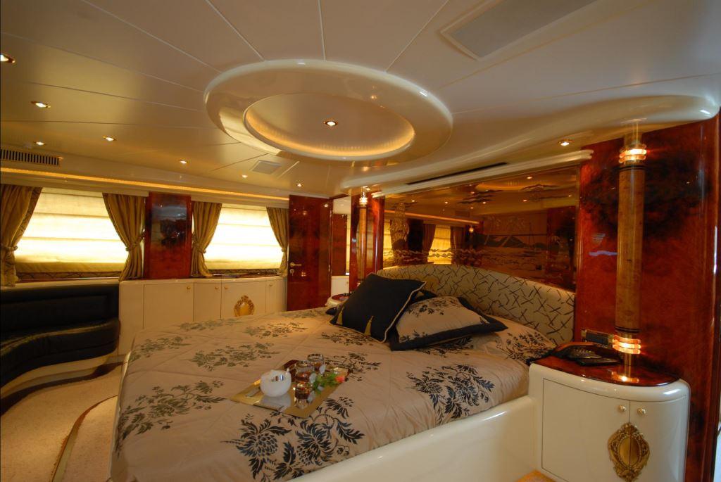 Motor yacht HULYA Master Cabin