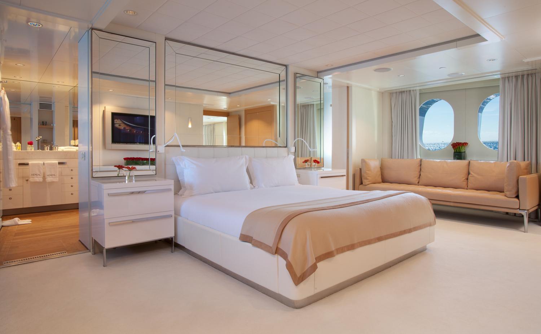 Motor yacht IDOL-  Master Cabin