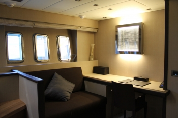 Motor yacht IROCK -  Study