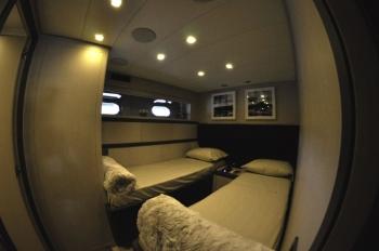 Motor yacht IROCK -  Twin Cabin