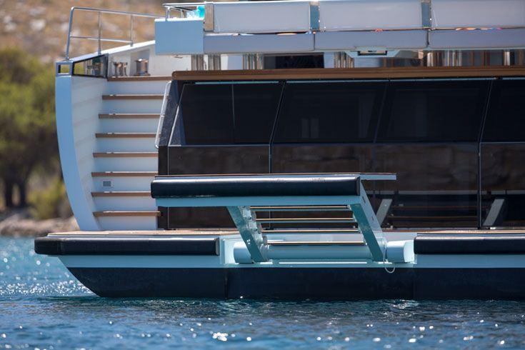 Motor yacht KANGA -  Swimming platform and ladder