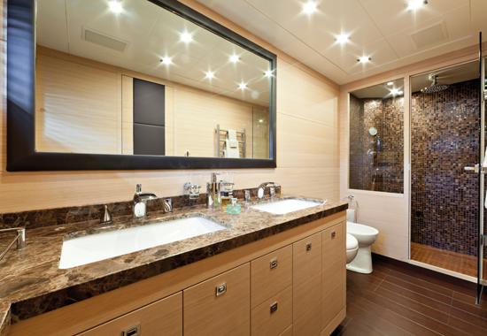 Motor yacht KAWAI -  Master Bathroom