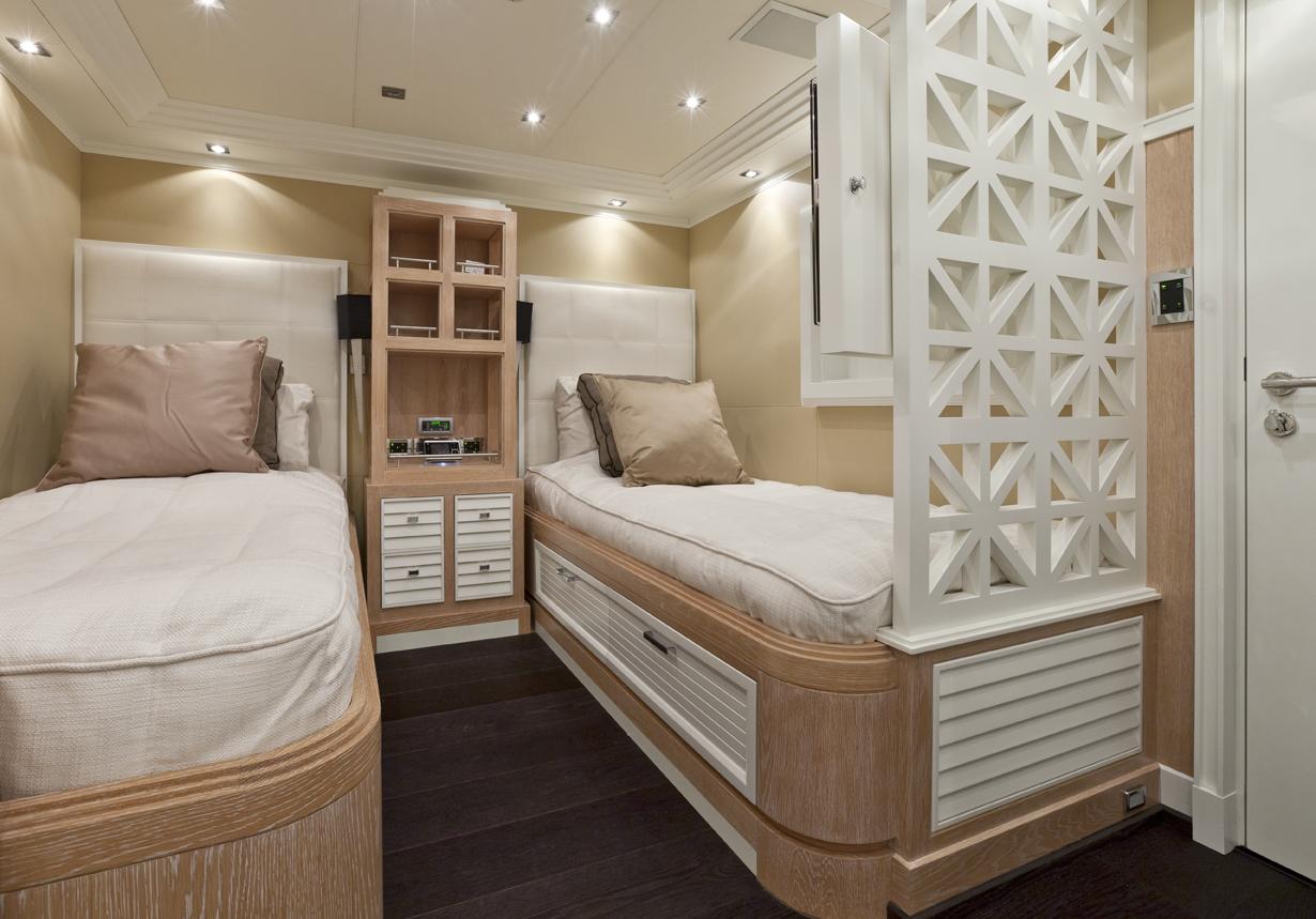 Motor yacht KINTA -  Twin Cabin