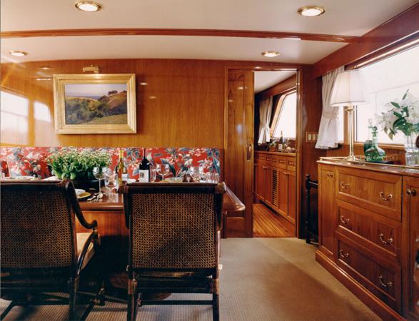 Motor yacht Keldi -  Dining