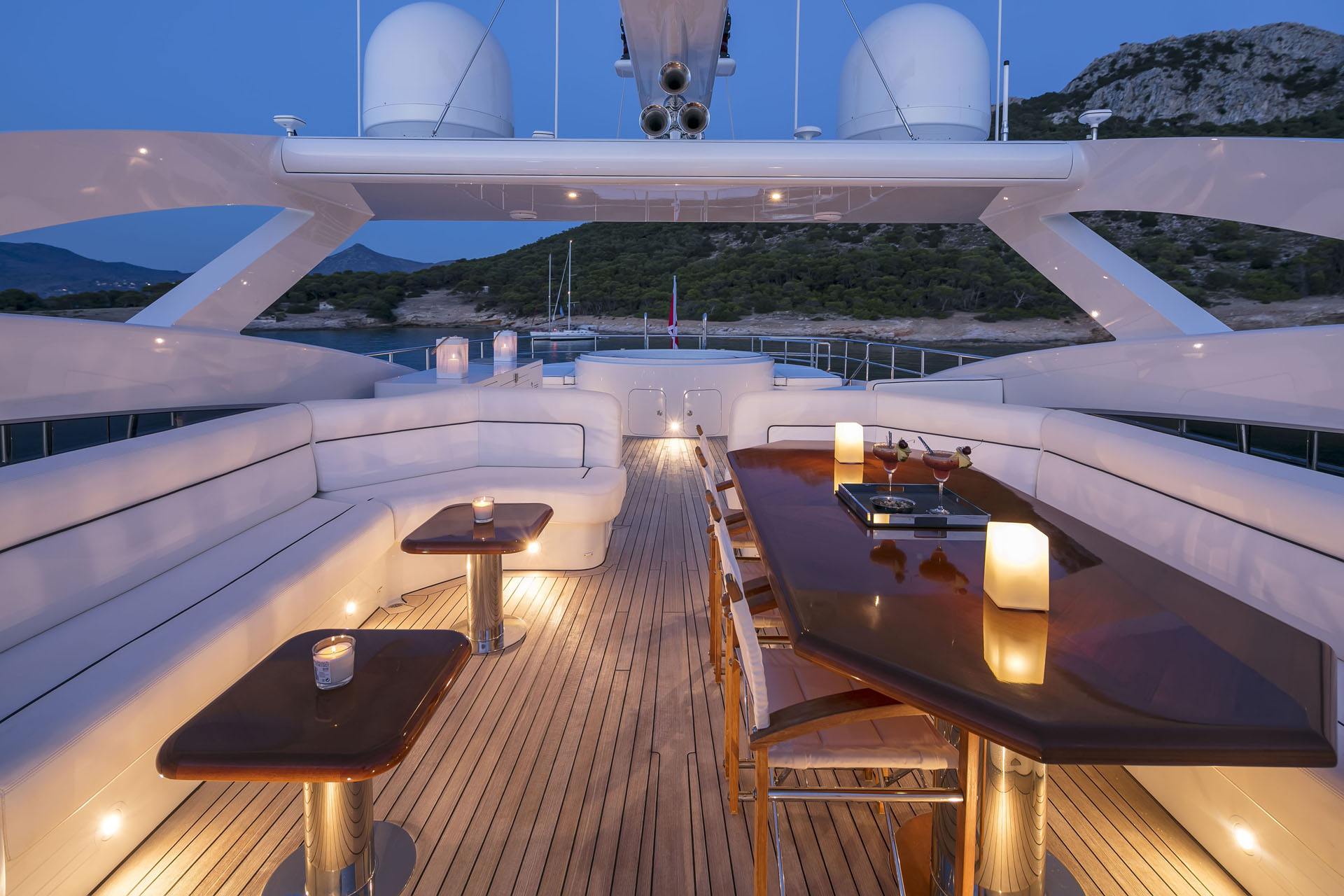 Motor yacht L'EQUINOX -  Sundeck by night