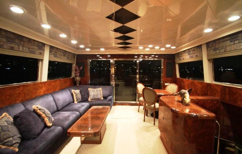 Motor yacht MERCEDES - Salon looking Aft