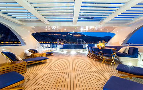 Motor yacht MISCHIEF - Sundeck