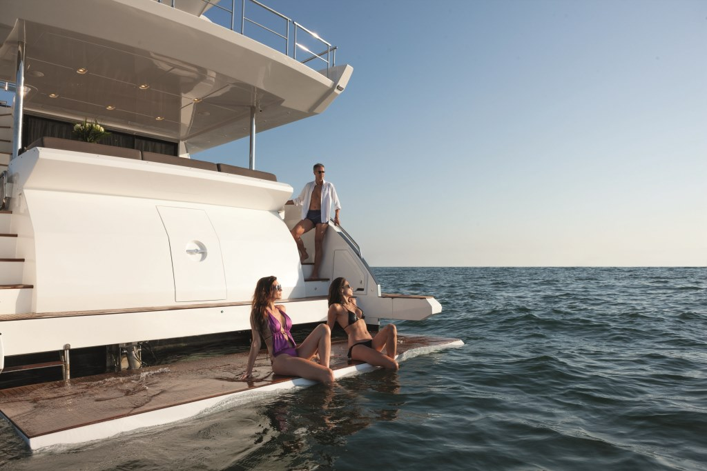 Motor yacht NORTH STAR - Swim Platform