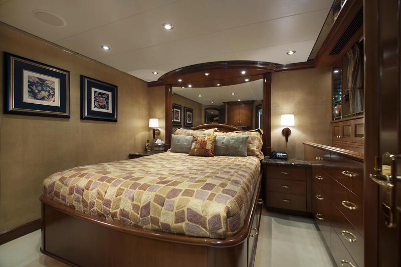Motor yacht OLGA -  Queen Cabin
