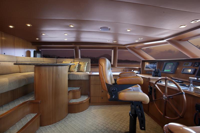 Motor yacht OLGA -  Wheelhouse