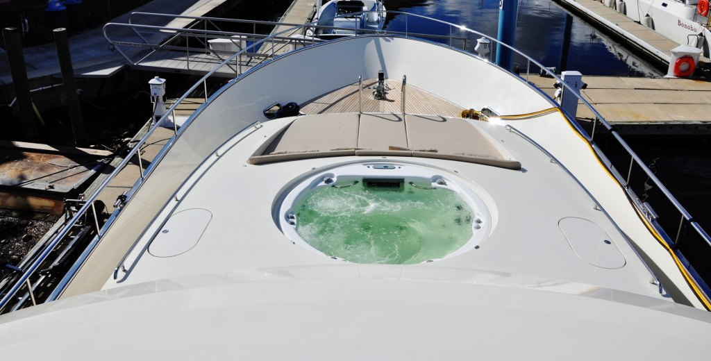 Motor yacht PARADISE -  Foredeck spa pool