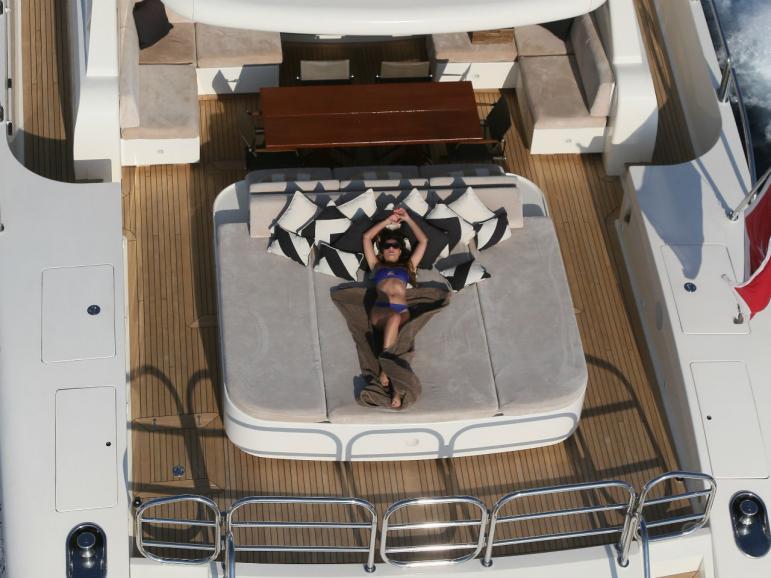 Motor yacht PLAN B - Sunpad