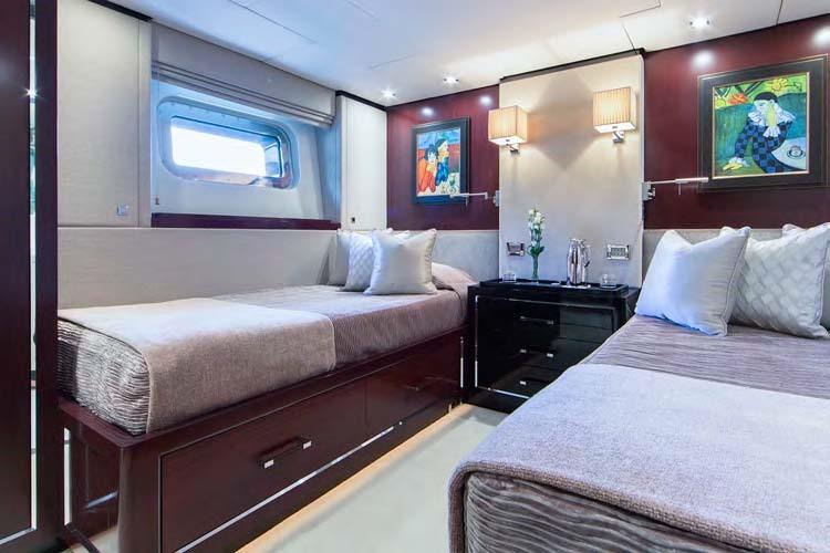 Motor yacht POLLY -  Twin Cabin