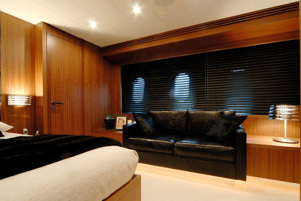 Motor yacht RG 512 -  Master Cabin Seating
