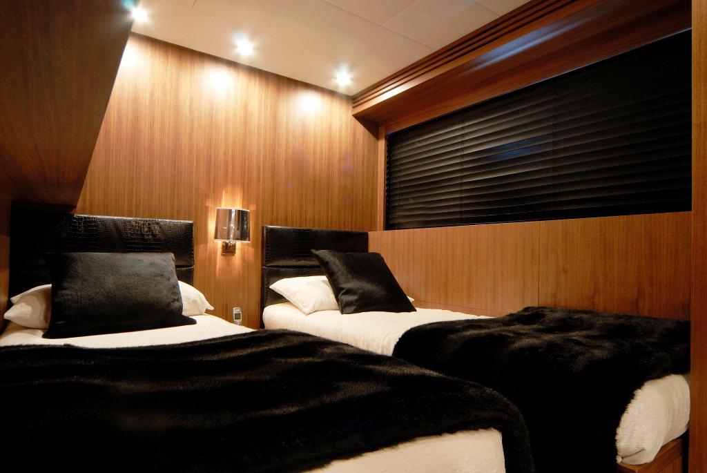 Motor yacht RG 512 -  Twin Cabin