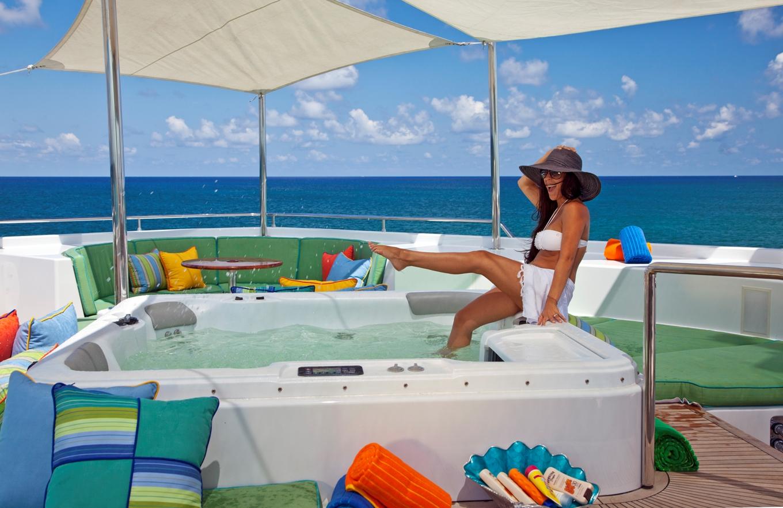 Motor yacht RHINO -  Spa Pool on Sundeck