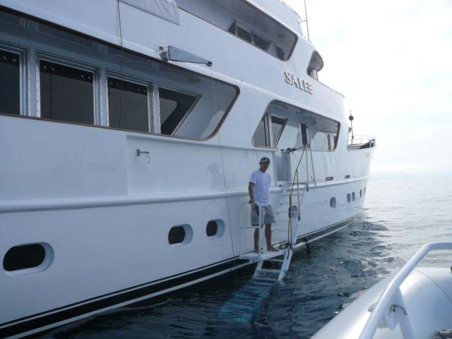Motor yacht SALEE -  Side Boarding