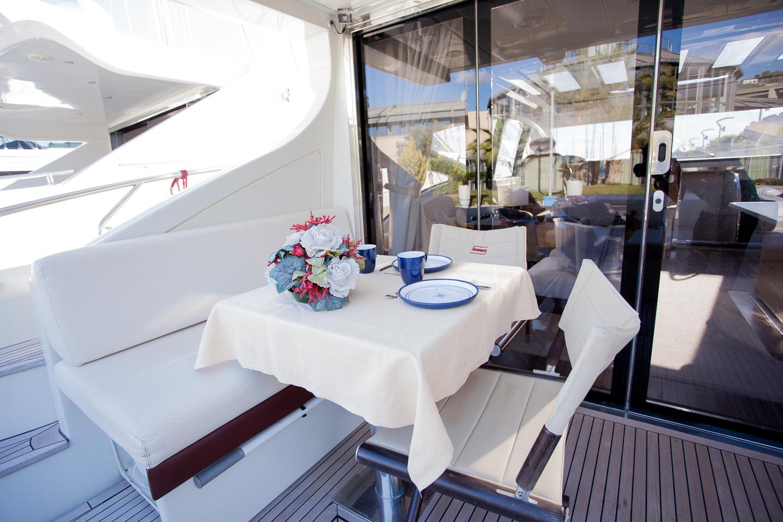 Motor yacht SAPORE DI SALE - Aft Dekc Dining