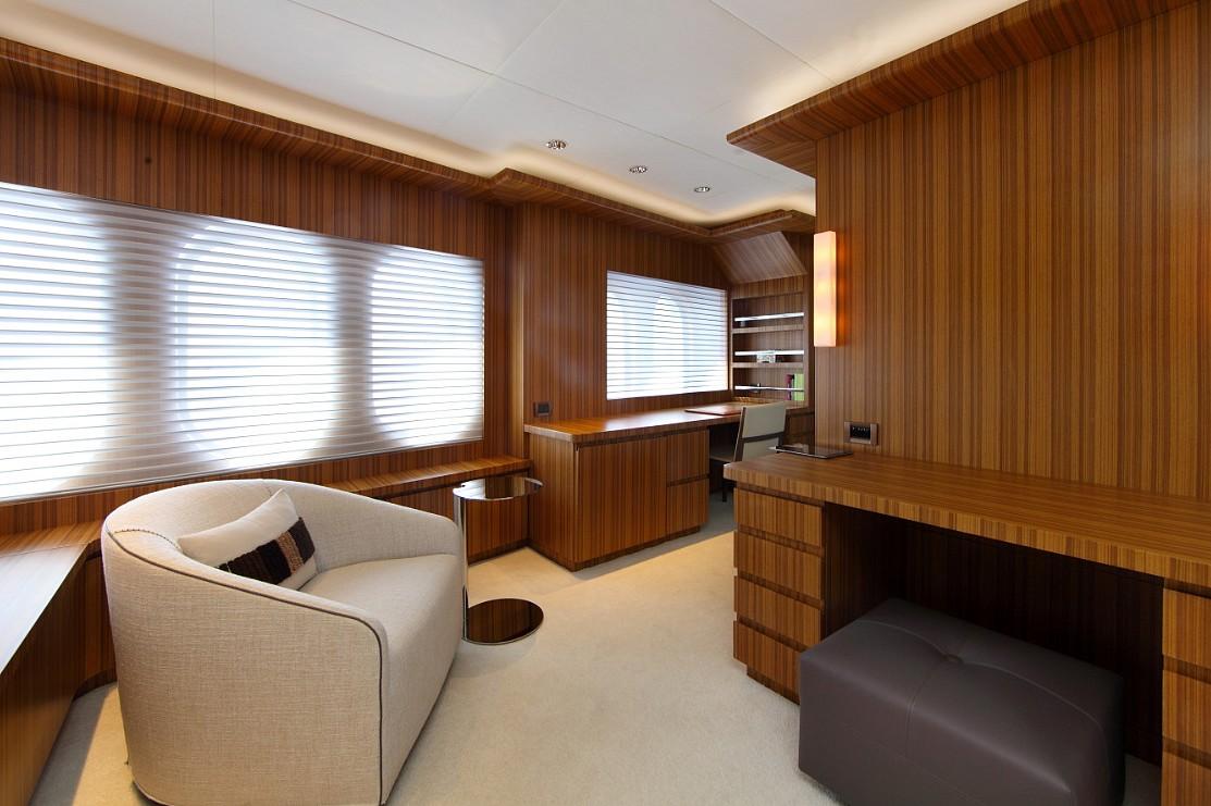 Motor yacht SEA SHELL -  Master Office