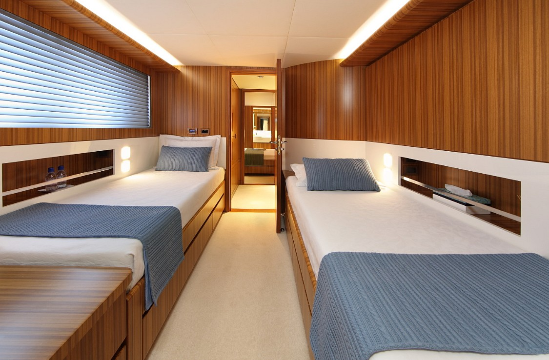 Motor yacht SEA SHELL -  Twin Cabin