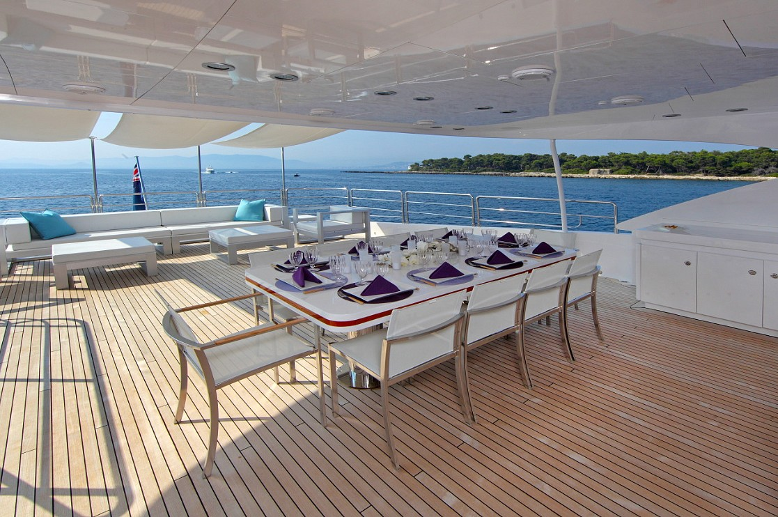 Motor yacht SEA SHELL -  Upper Aft Deck Seating and Dining