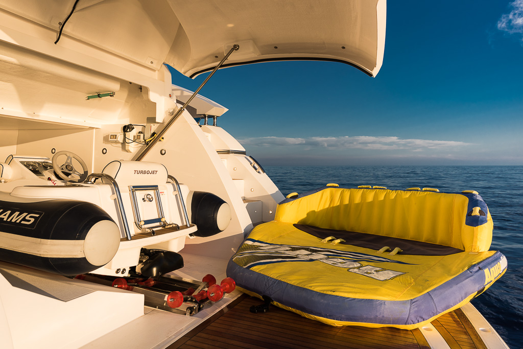 Motor yacht SEAWATER - Garage