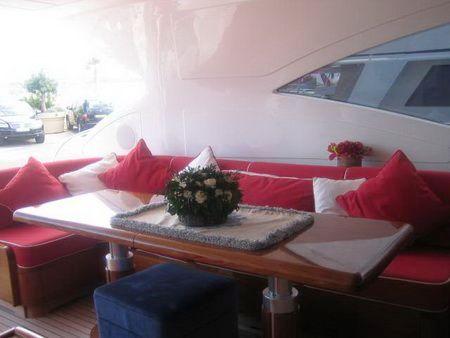 Motor yacht SED -  Dining 2