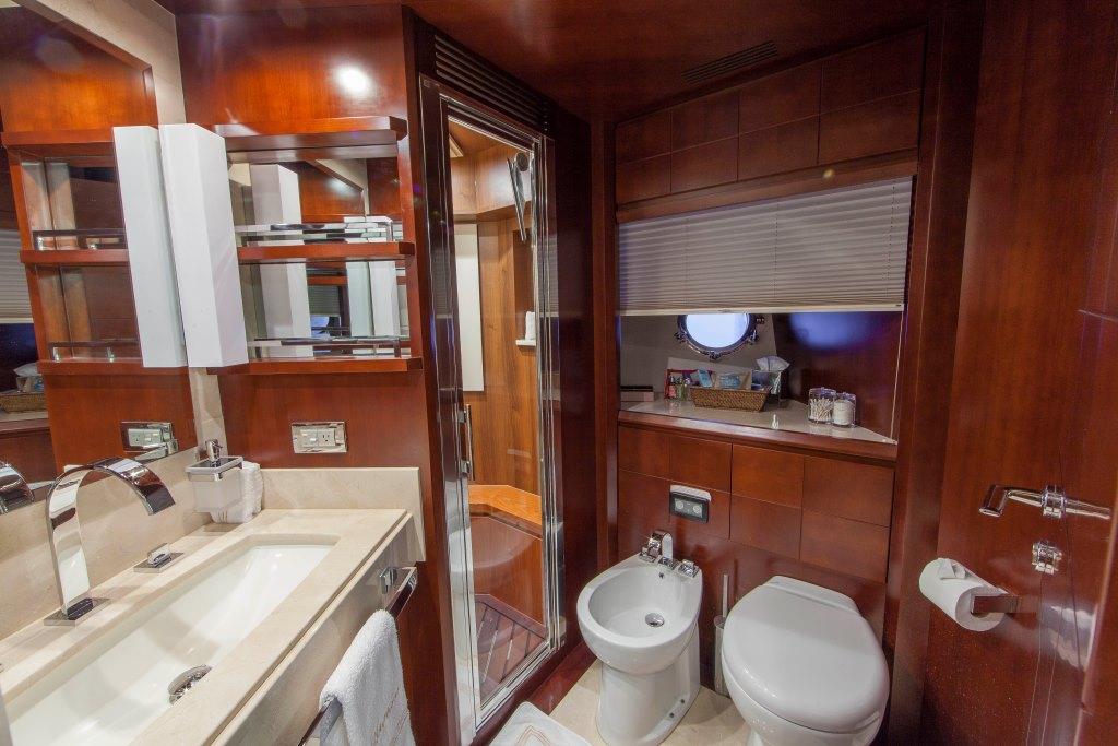Motor yacht SORRIDENTE - Master en-suite his