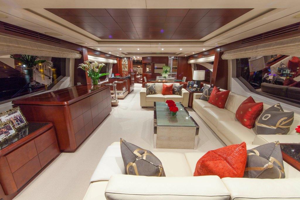 Motor yacht SORRIDENTE - Salon view forward