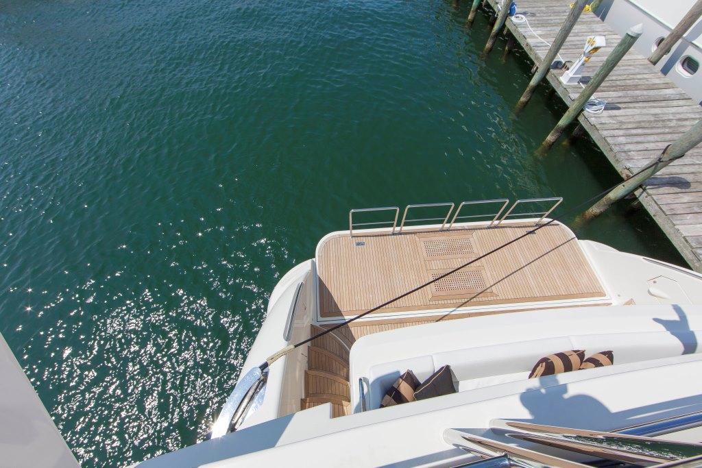 Motor yacht SORRIDENTE - Swim platform