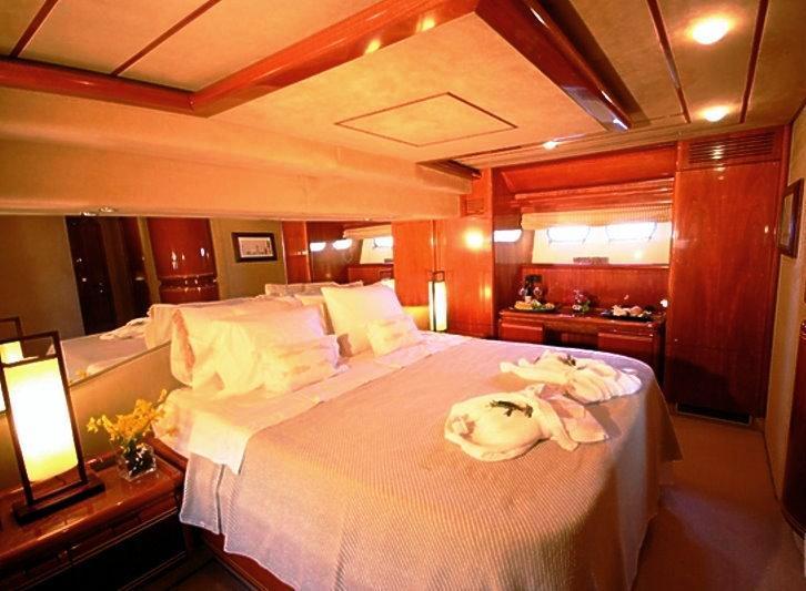 Motor yacht SPLENDIDO -  Master Cabin