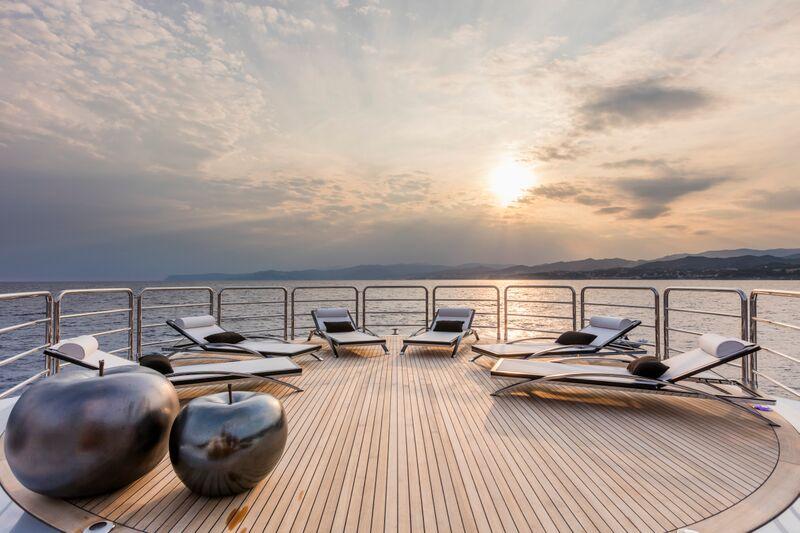 Motor yacht SUERTE - Exterior