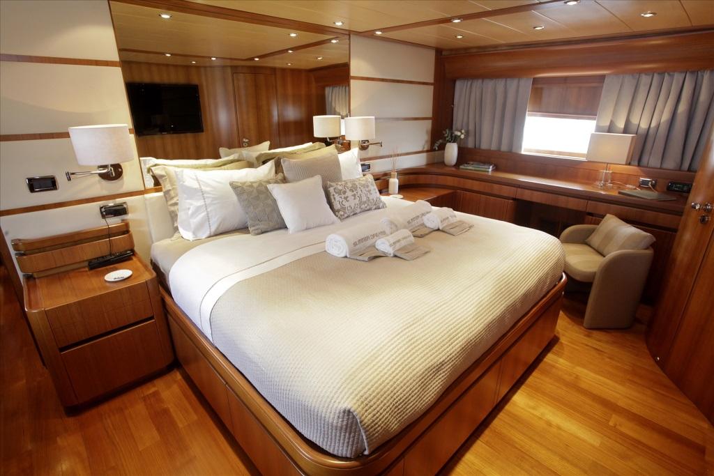 Motor yacht SUMMER DREAMS - Master cabin