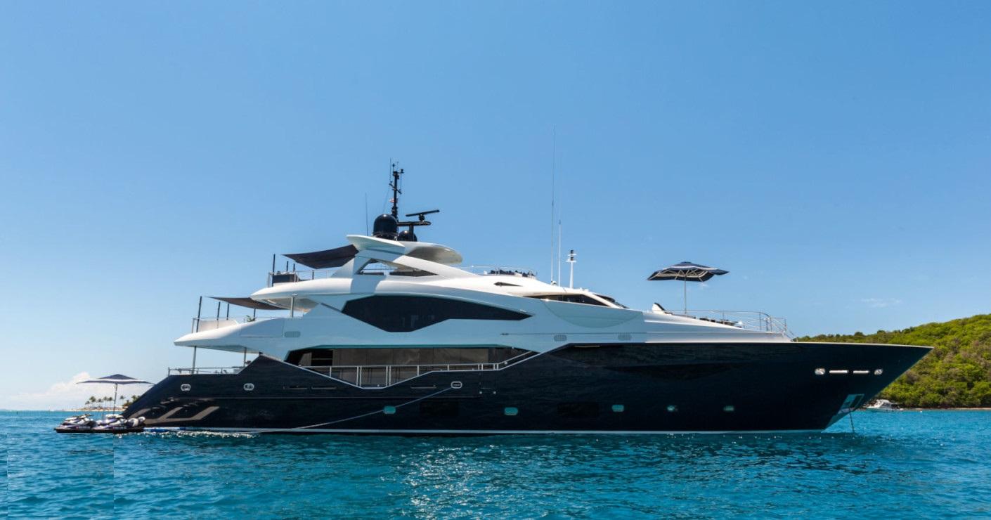 Motor yacht TAKE 5 - 001